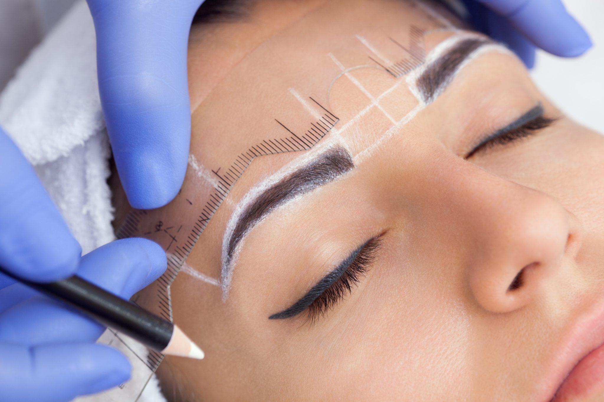 What is it really like to have your eyebrows microbladed?