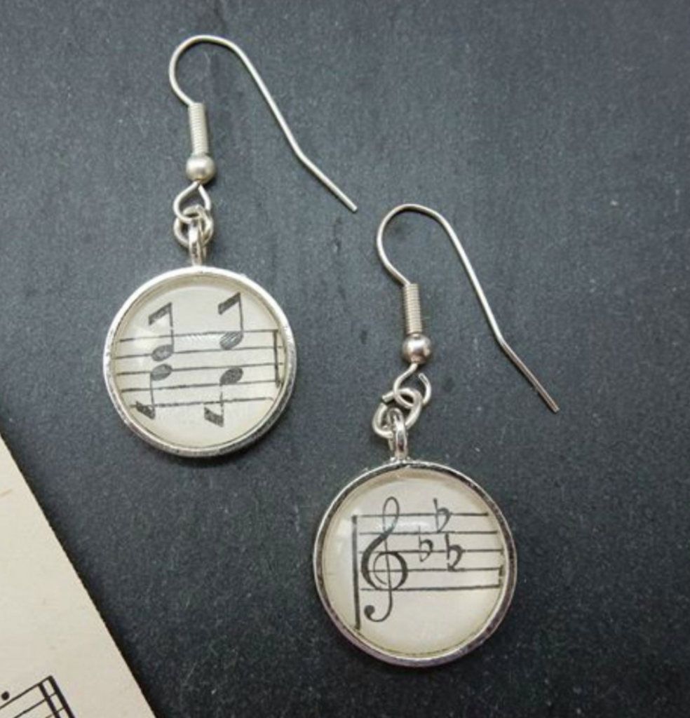 Music note earrings by Indigo Lily Store, Etsy